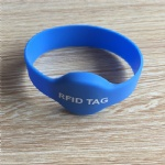 rfid wristband 125khz em4100 smart bracelet for access control system